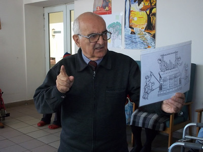 Yerevan State Conservatory Professor Armen Budaghyan during his talk on art, at the Vanadzor Old Age Home