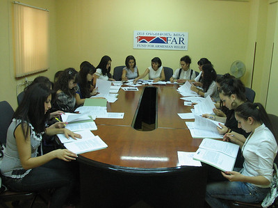 Mathevosian new scholars sign contracts